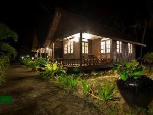 Villa Anggerik Resort