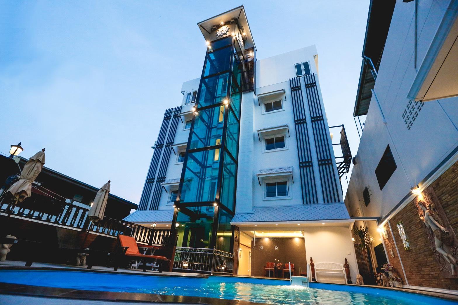 Hua Hin White Villa