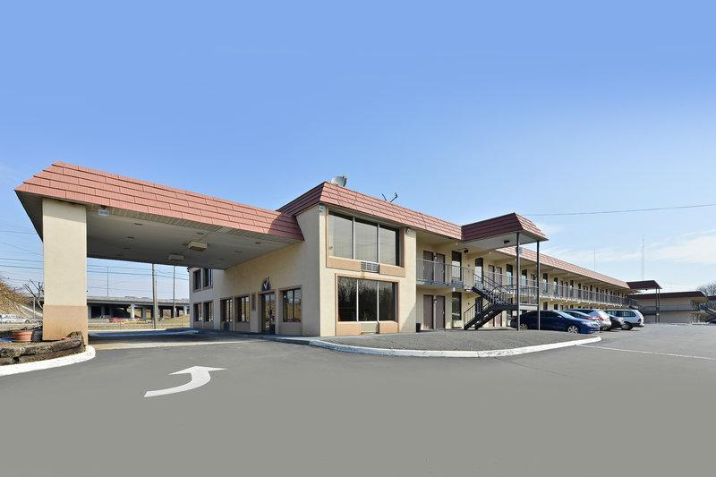 Americas Best Value Inn & Suites Knoxville North
