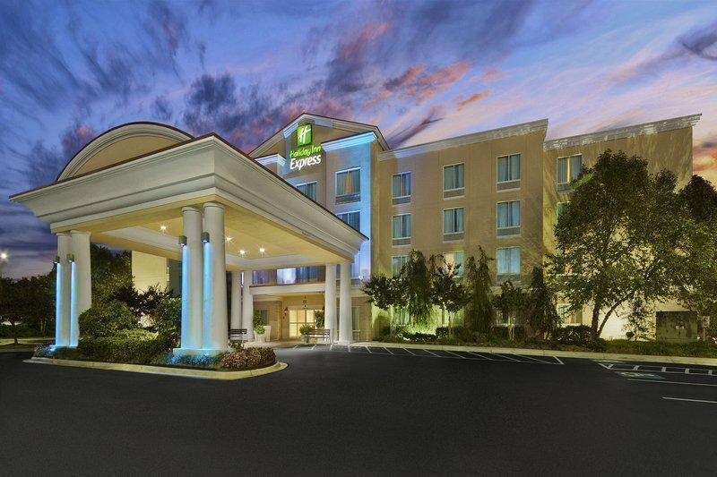 Holiday Inn Express And Suites Concord
