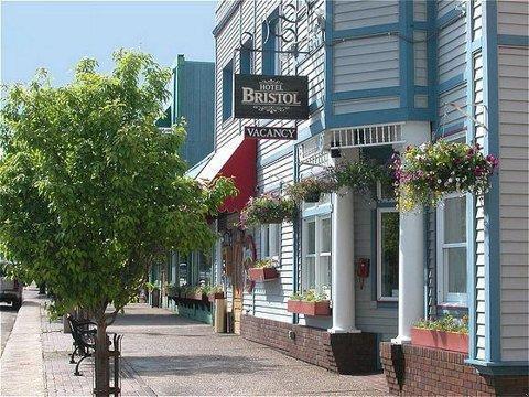 The Bristol By Magnuson Worldwide