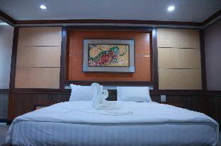 %name โรงแรมเพชรลดาพาวิเลี่ยน แอนด์ รีสอร์ท ลพบุรี