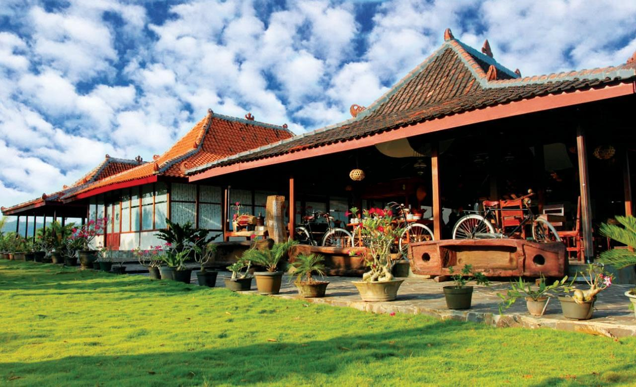 Azana Green Resort Praci