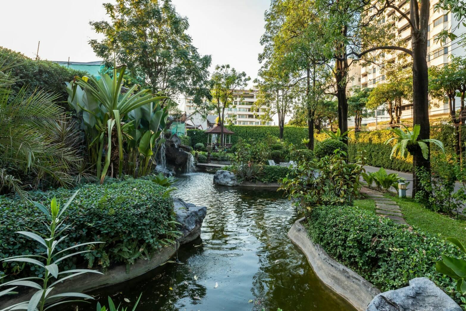 Royal Suite Hotel Bangkok โรงแรมโรยัล สวีท กรุงเทพฯ