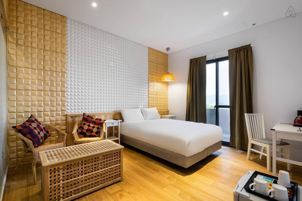 Double Room With Balcony Tel 0903239123 Line