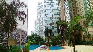 Marc Residence KLCC Apartment(balcony + pool view)