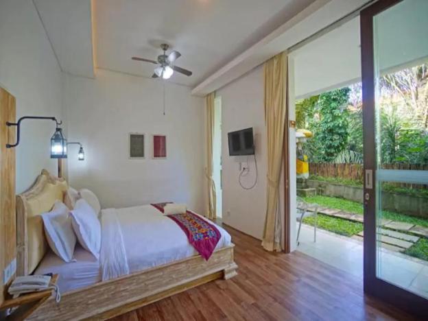 1BR Premium Room 6 w/ JUNGLE VIEW in Ubud CENTER