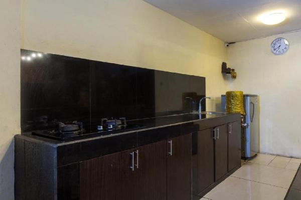 3 Person Room With Walk-In Rain Shower Bali