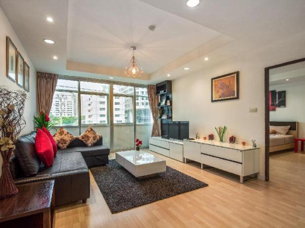 Spacious two-bedroom apartment with full amenities Bangkok