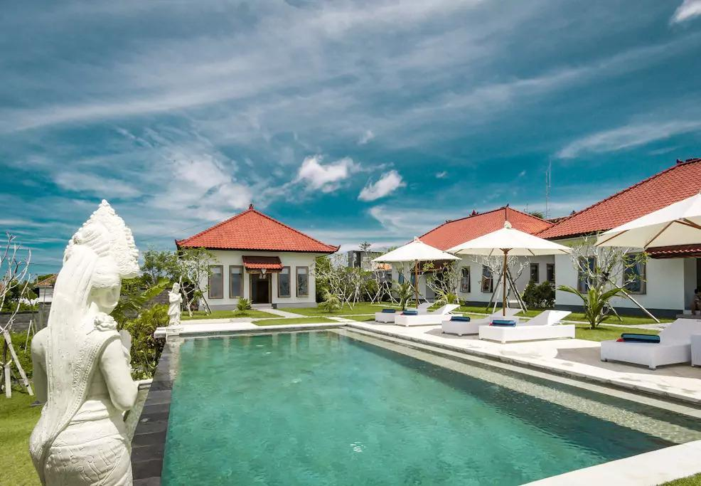 Teges Asri Bingin Sunny With Green Lawn And Pool  4