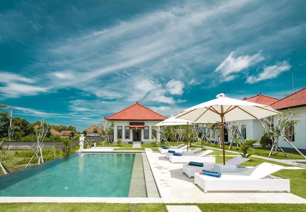 Teges Asri  Bingin Green Lawn And Pool  5