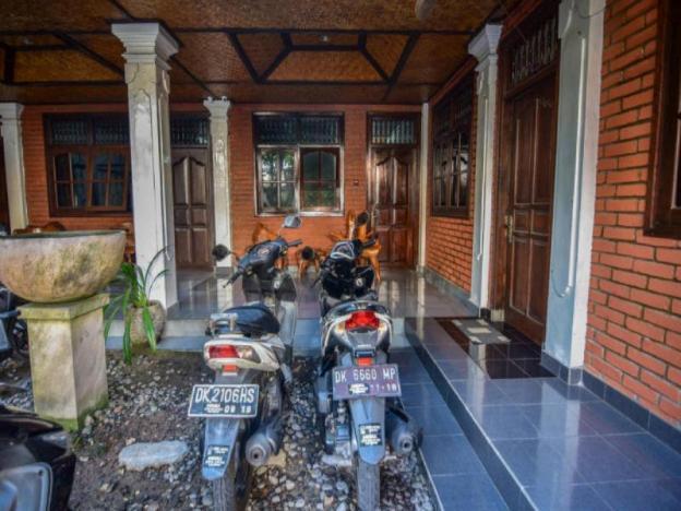 Puri Agung Homestay Legian Room 11