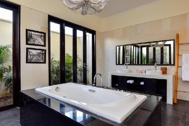 Bali Il Mare - Private LUXURY BEACH FRONT Villa