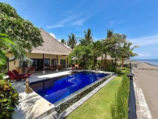 Villa Branie Private LUXURY BEACH FRONT Villa Bali
