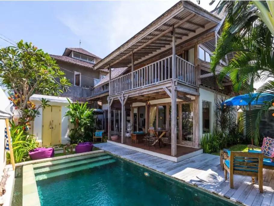 Unique Wooden Private Villa Closer To Berawa Beach