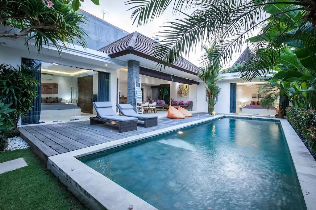 Boutiques Tropical Private Villa Pool   Seminyak