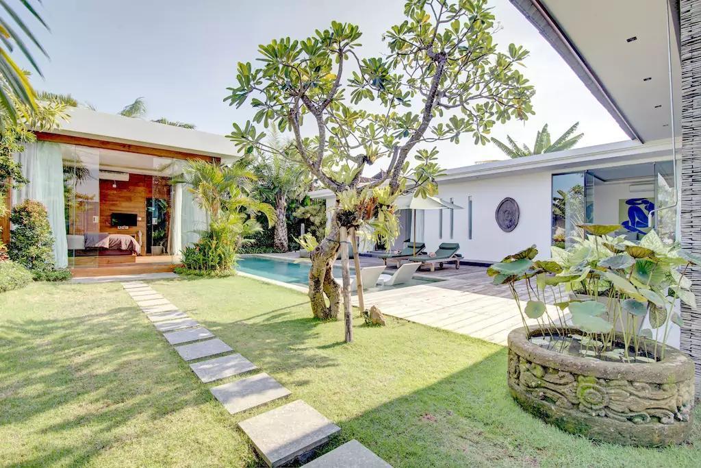 Luxury Elegant Harmonius Private Villa Seminyak