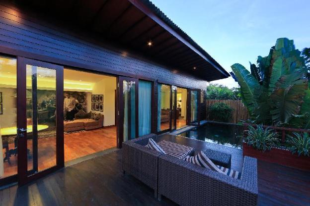 1 Bedroom Private Pool Villa near La Favela