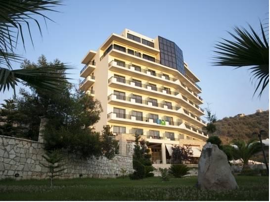 Rapos Resort Hotel