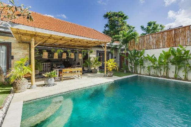 Newly renovated two-bedroom villa in a great location with a fantastic price