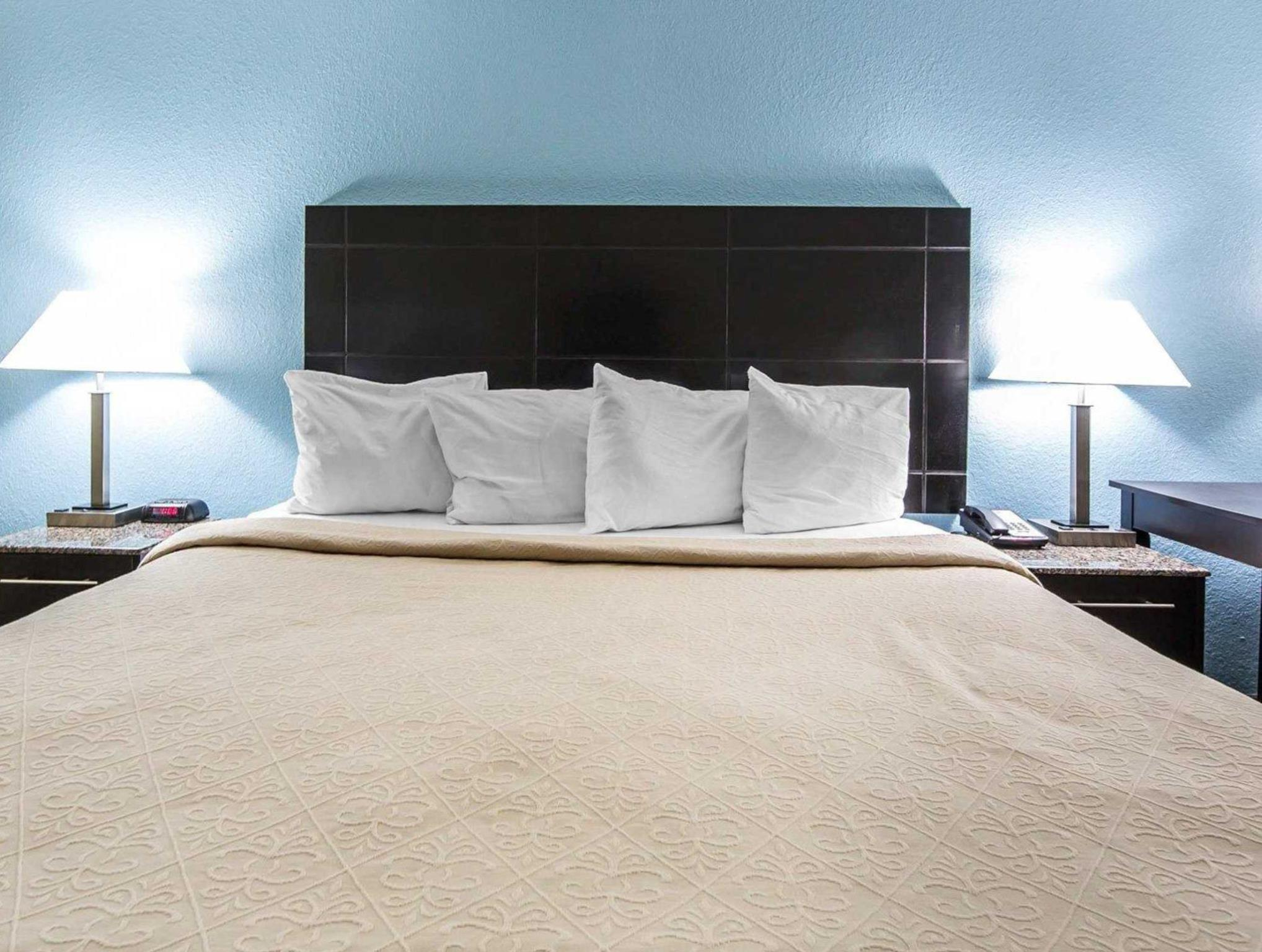 Quality Inn and Suites West Waterpark Knoxville Reviews