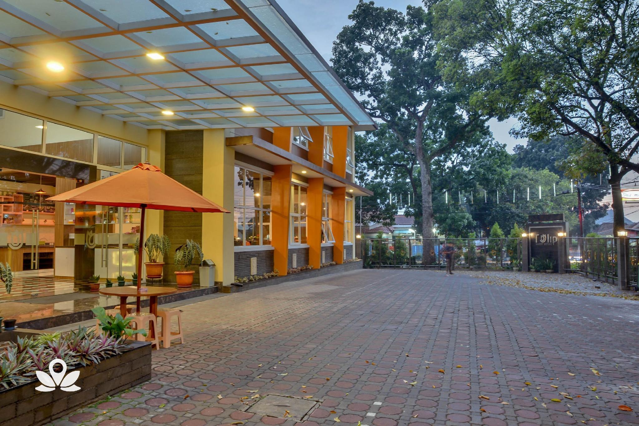 ZEN Rooms Near Istana Plaza