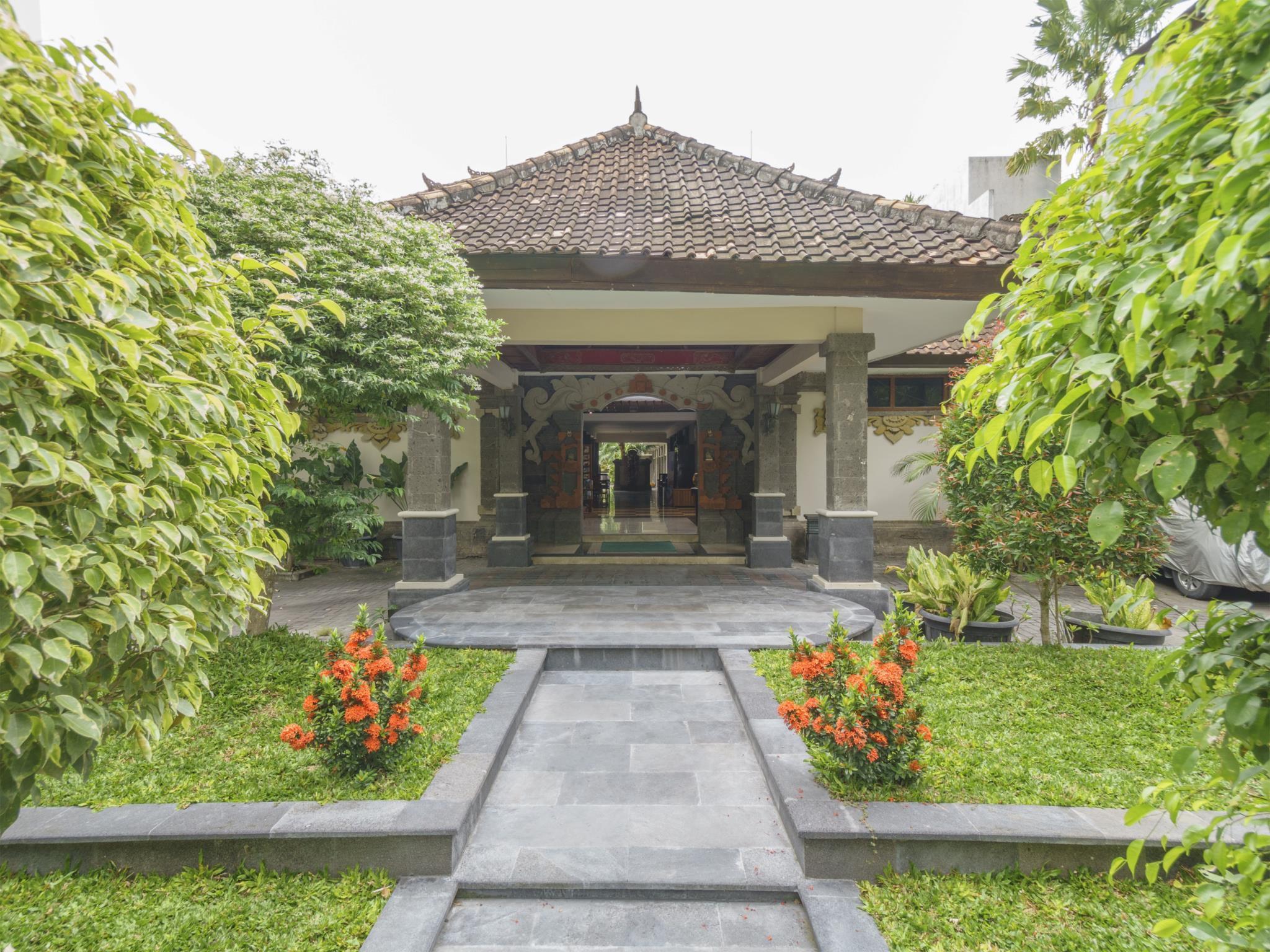 Taman Rosani Hotel And Villa