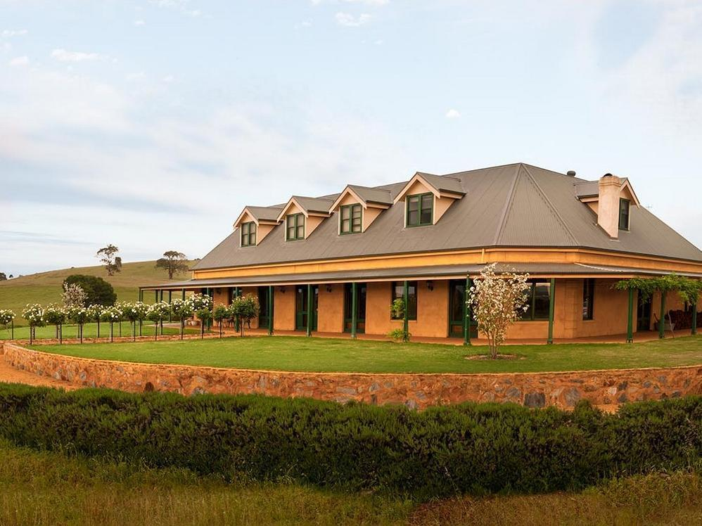 Abbotsford Country House