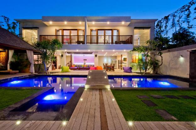 Villa True Colors, for any events, up to 16 sleeps