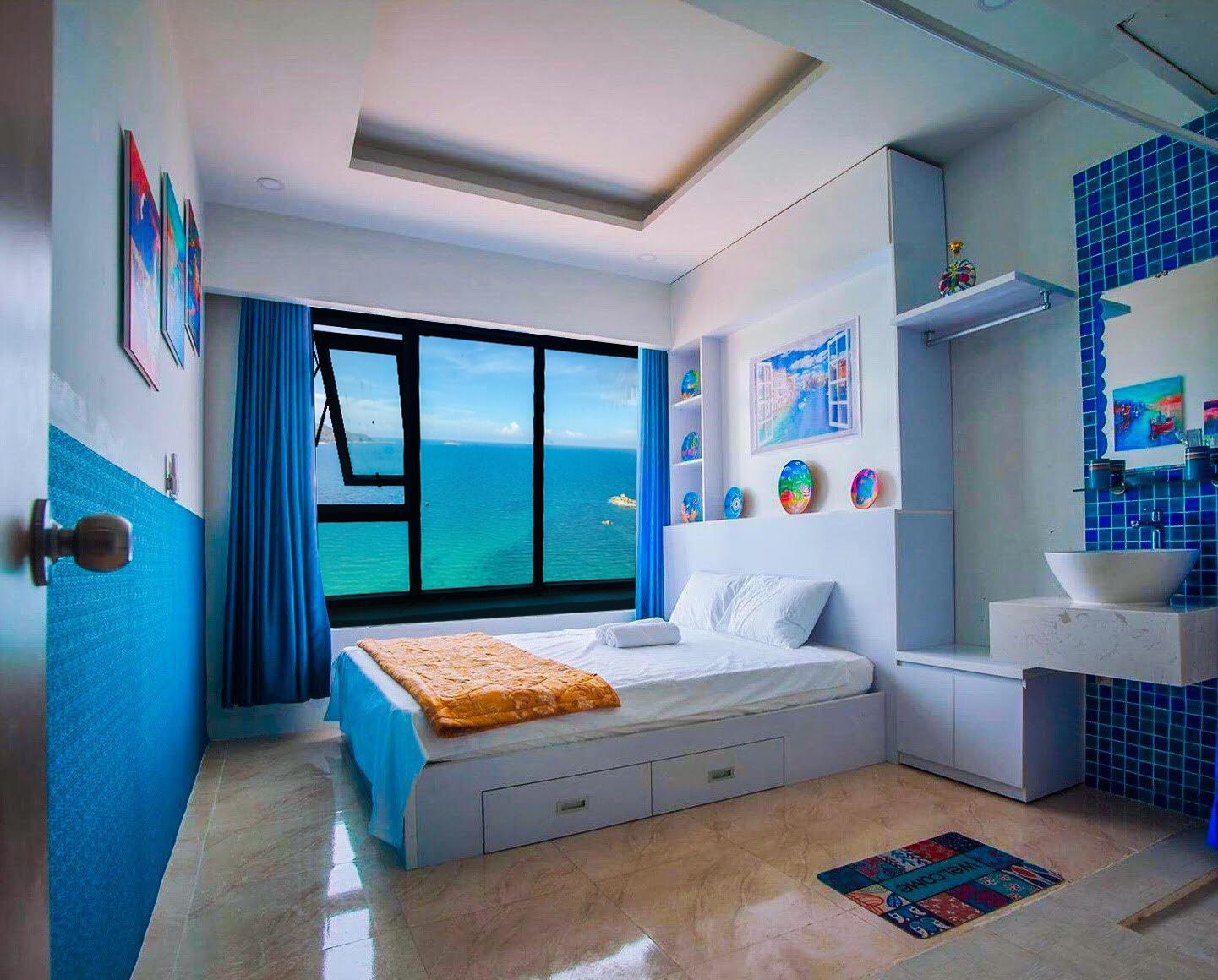 Blue Sea View Apartment
