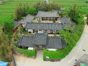 Gokjeonjae Hanok Pension