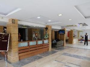 โฮเต็ล นีลคานธ์ - พาราไดซ์ (Hotel Neelkanth-Paradise)
