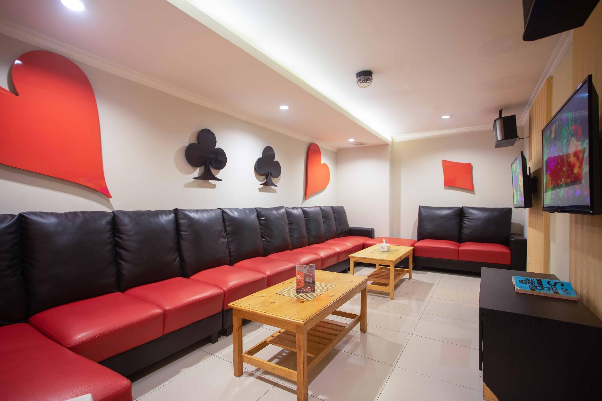 Discount RedDoorz Premium near Kawasan Industri Cikarang