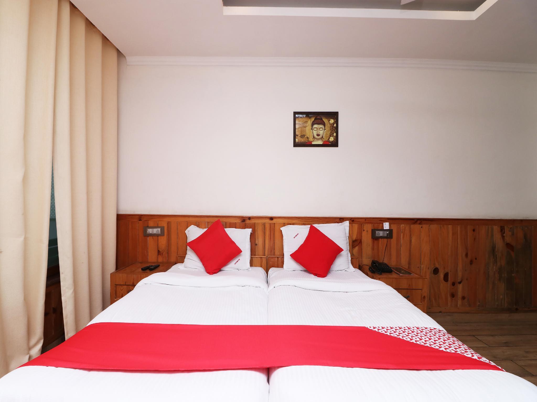 Capital O 6962 Hotel Wood Castle