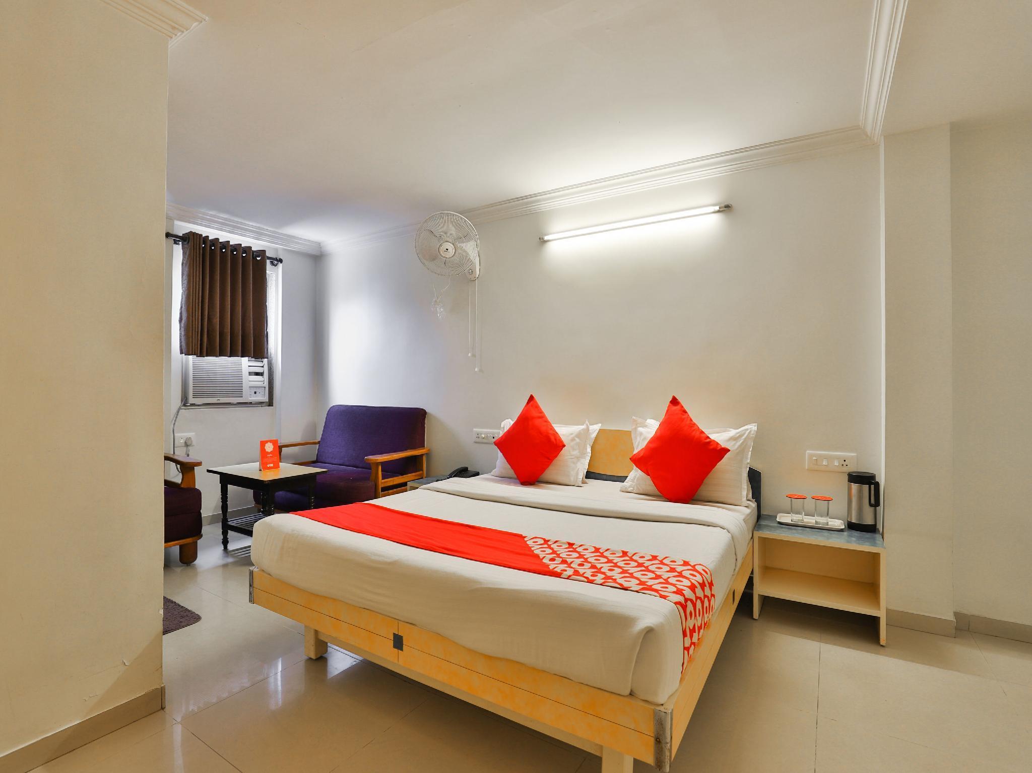 OYO 10044 Hotel Dudawat