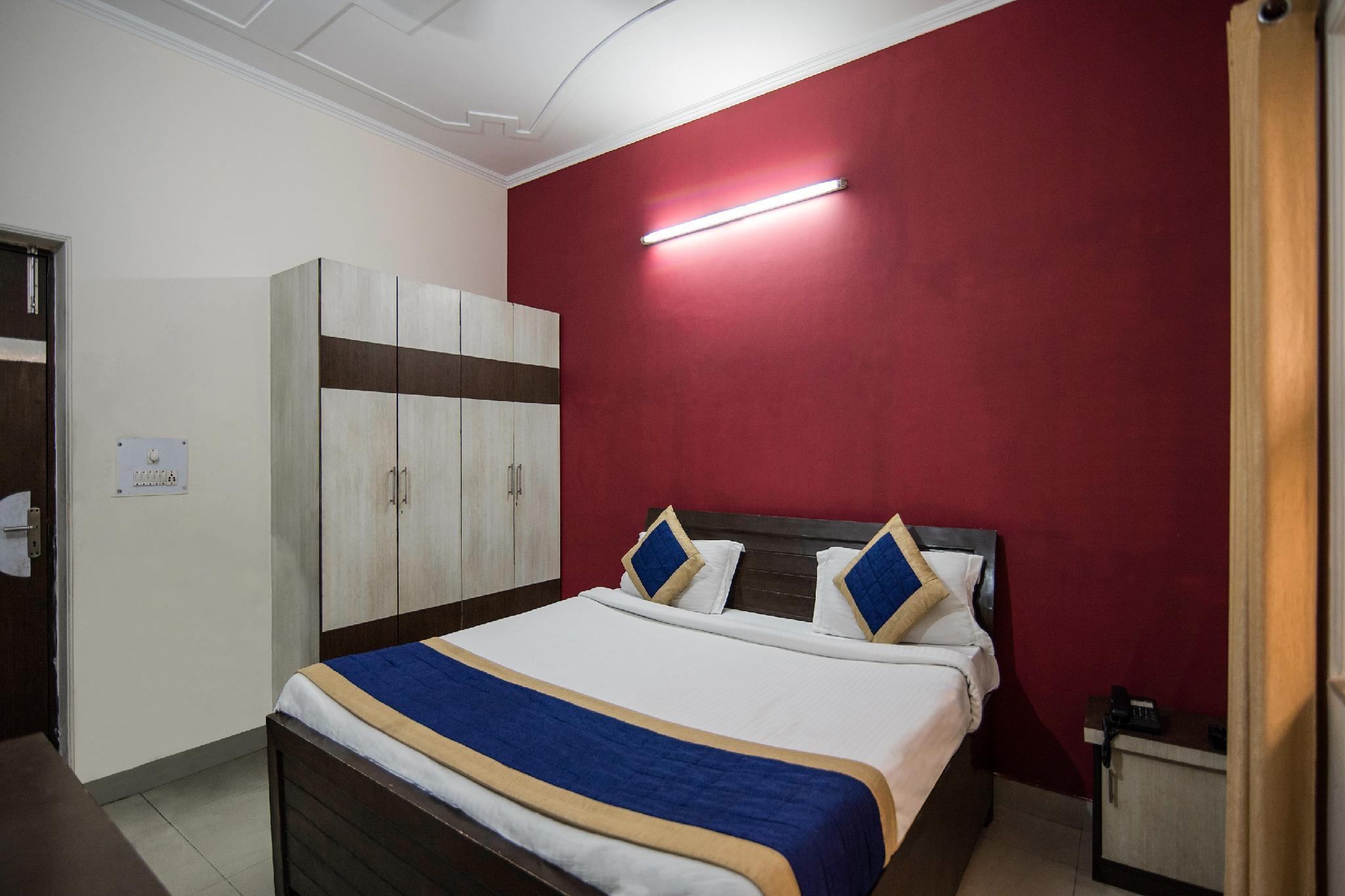 OYO 9530 Kunal Residency