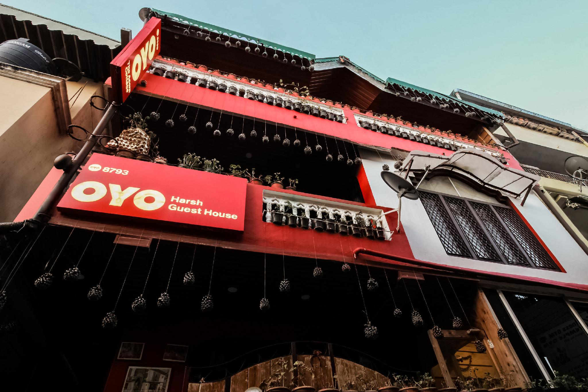 OYO 8793 Home Stay
