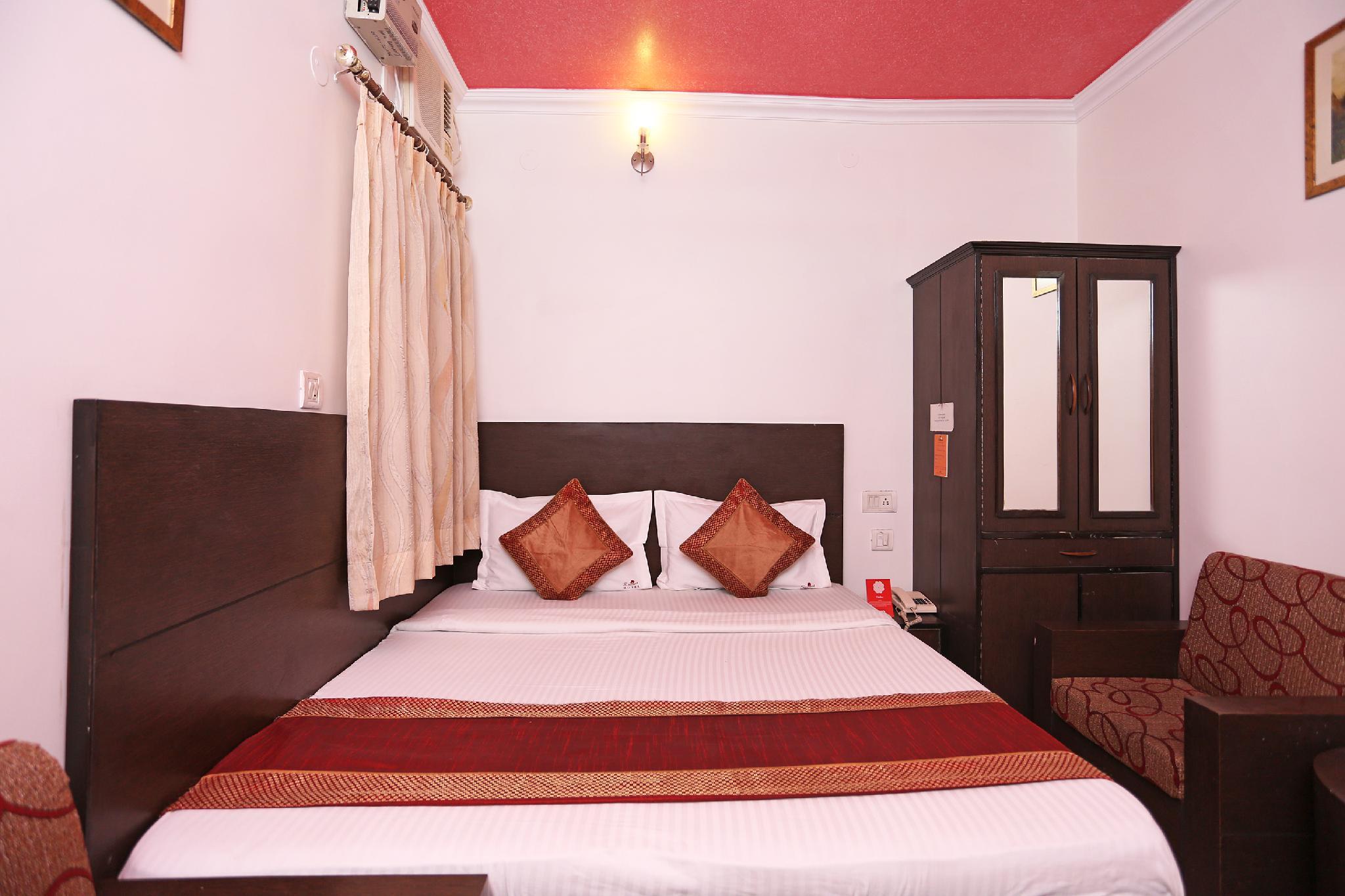 OYO 3033 Radiant Hotel