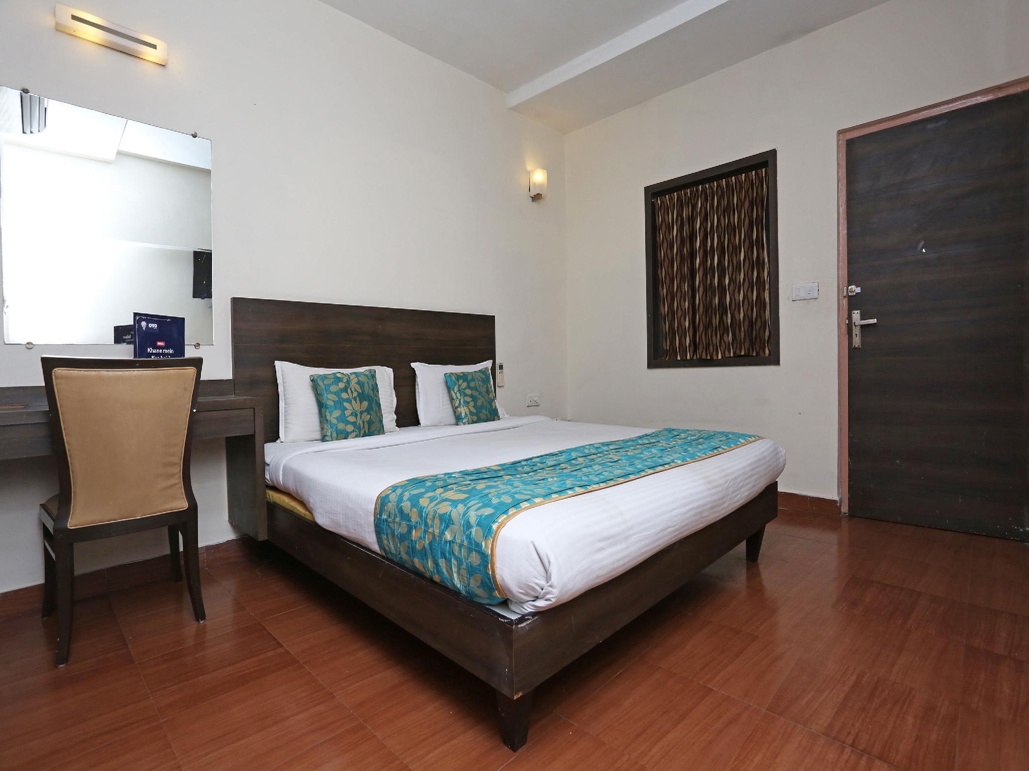 OYO 4940 Hotel Sea Rock