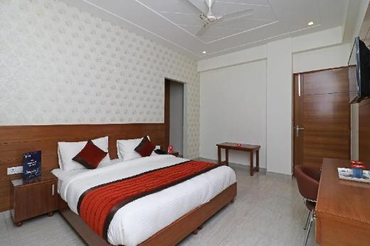 OYO 6812 Aruma Residency