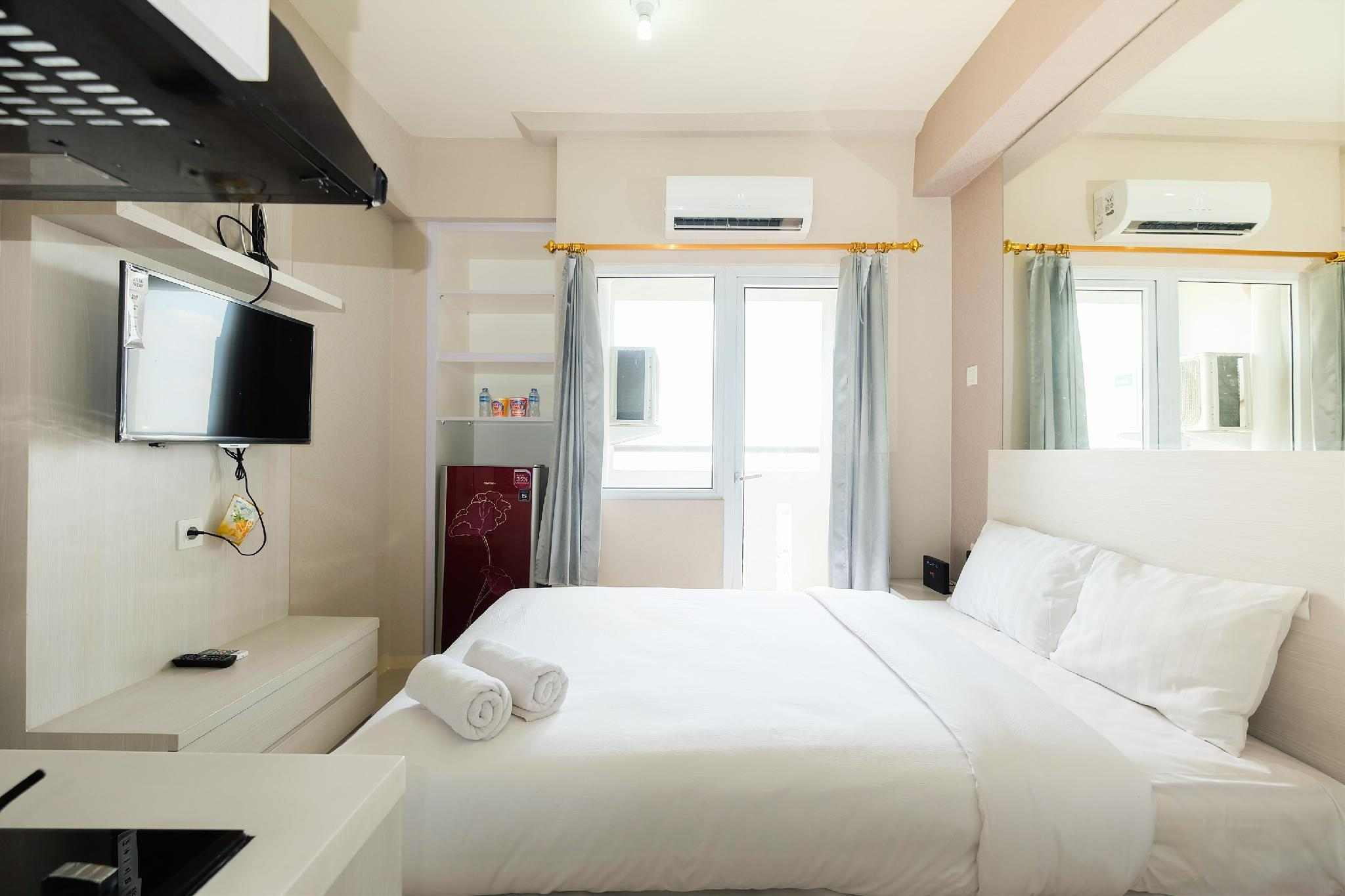 Hotels Review: Comfy Studio Green Pramuka City By Travelio – Room Prices, Photos and Deals