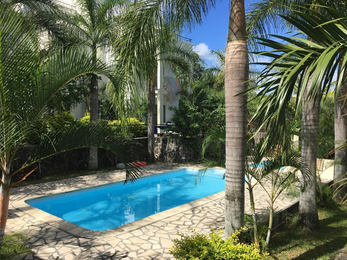 Palm Green Villa With Pool In GrandBaie Center