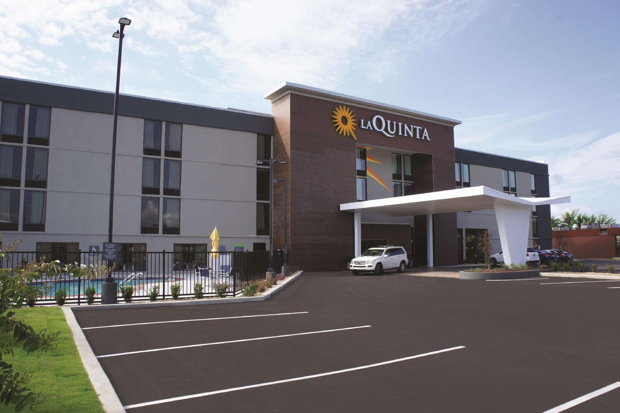 La Quinta Inn And Suites By Wyndham Columbus MS