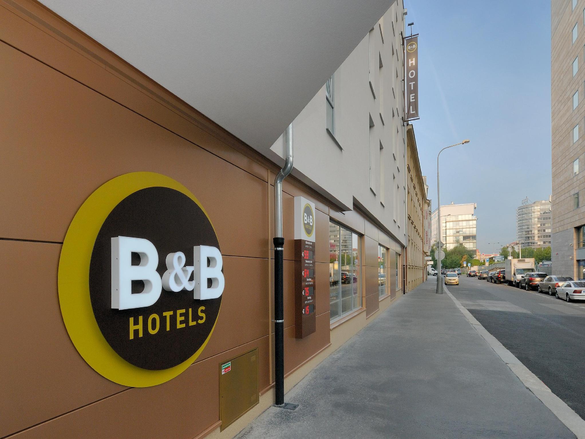B And B Hotel Prague  City