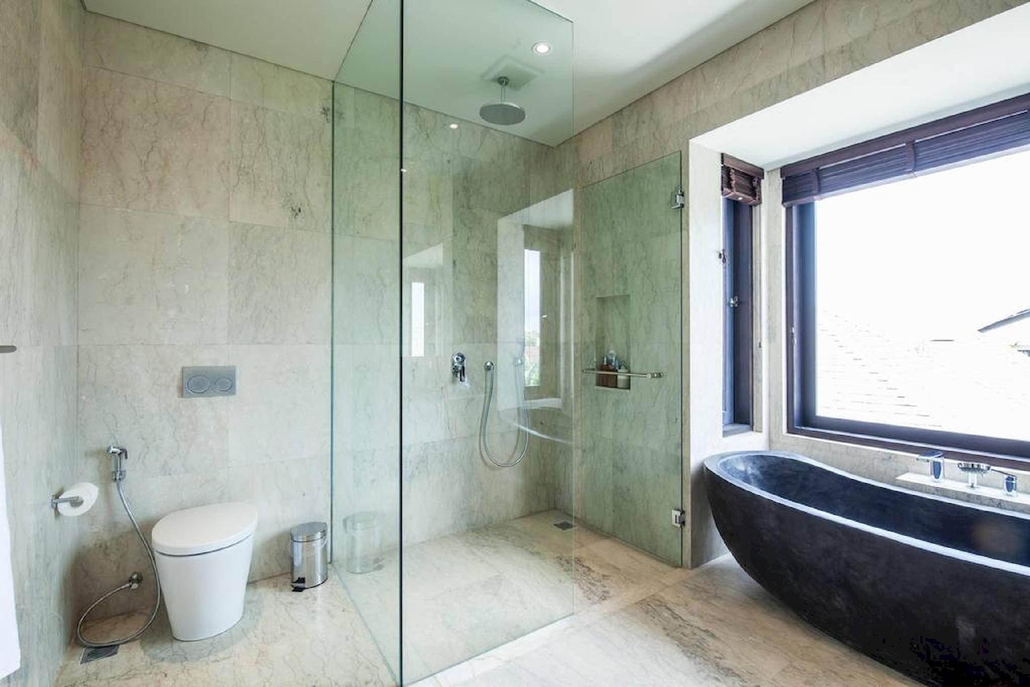 Price Ixora - Quiet modern luxury in the heart of Canggu