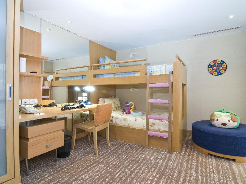 2 Bedroom Kids Suite Smoking - Advance Purchase
