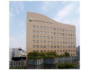 關於皇家福岡天神ARK飯店 (Ark Hotel Royal Fukuoka Tenjin)