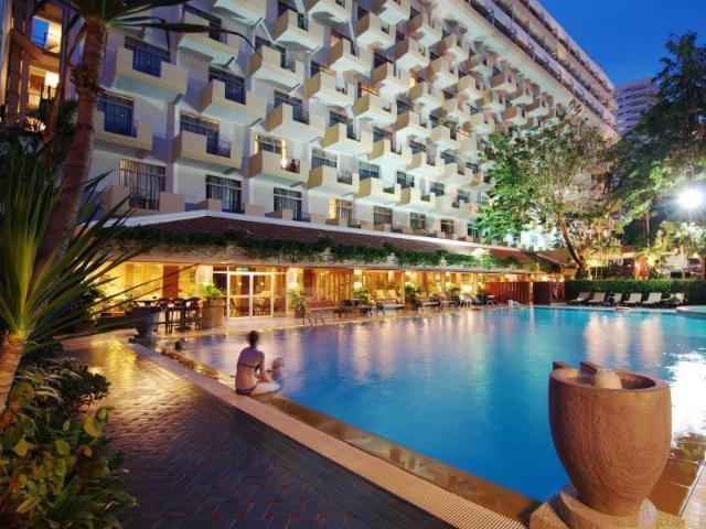 โรงแรมโกลเด้น บีช – Golden Beach Hotel