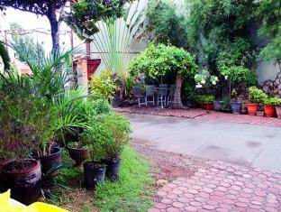 picture 4 of Reynas The Haven and Gardens Hotel