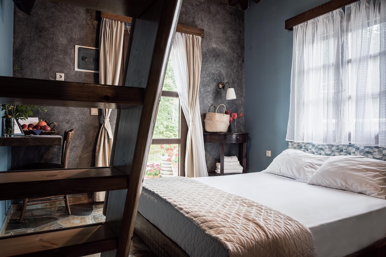Xani Agramada Room 3